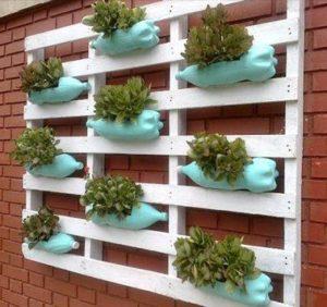 Amenager-sa-terrasse-diy-mur-vegetal-gouttiere