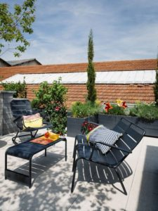 Amenager-sa-terrasse-mobilier-metal
