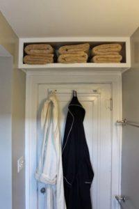 Rangements-adaptes-contour-porte-salle-de-bain